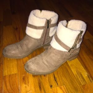 Liz Claiborne Booties. Size 9